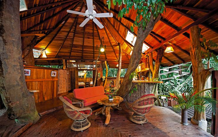 Top 7 awesome eco friendly treehouse hotels javi 39 s for Jungle house costa rica