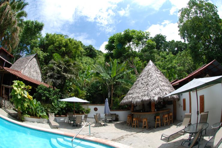 Unique jungle lodge Encanta la Vida