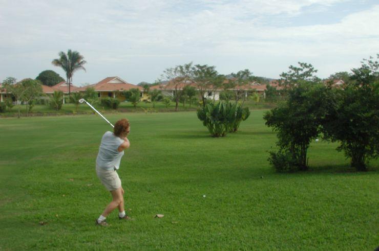Golfing in Tambor