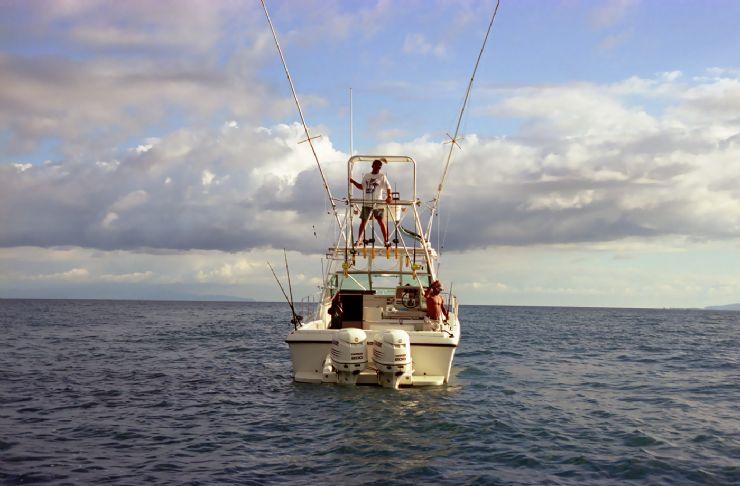 Golfito costa rica city guide go visit costa rica for Deep sea fishing costa rica