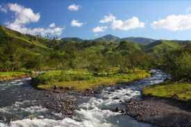 Beautiful river & mountains near Monteverde