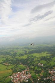Amazing view of Gyroplane over little town near Manuel Antonio - Manuel Antonio, North Puntarenas