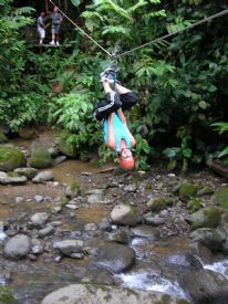 Having fun on a Canopy Tour in Manuel Antonio