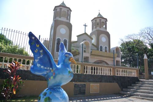 Church with pigeon monument in Belen