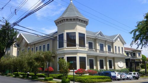 Front view of Grano de Oro Hotel & Restaurant in San Jose