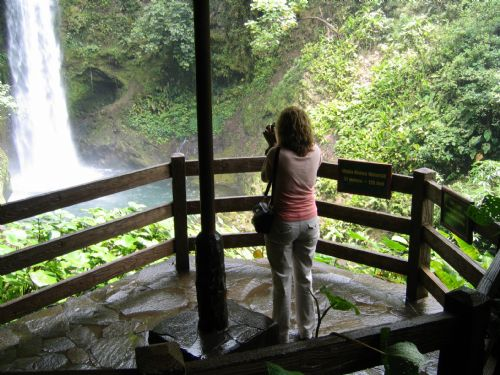 Lookout at La Paz Waterfall