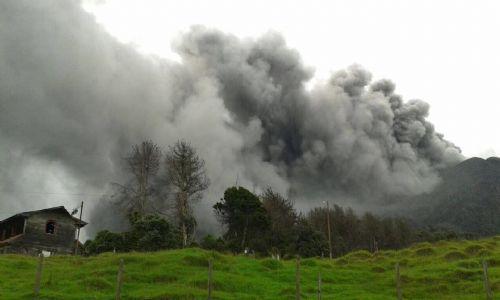 Big ash column from Turrialba Volcano (Red Sismológica Nacional)