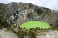 Few sites compare to the majestic Iraz� Volcano National Park