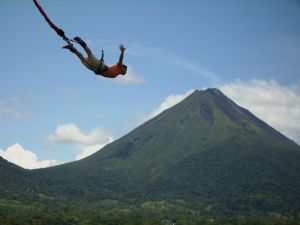 http://www.govisitcostarica.com/images/uploads/detail/optimized/Arenal-volcano-Bungee(2).jpg