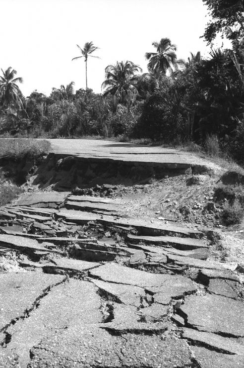 Limon to Cahuita road just after 1991 Limon Earthquake. Photo courtesy of Clive Graham