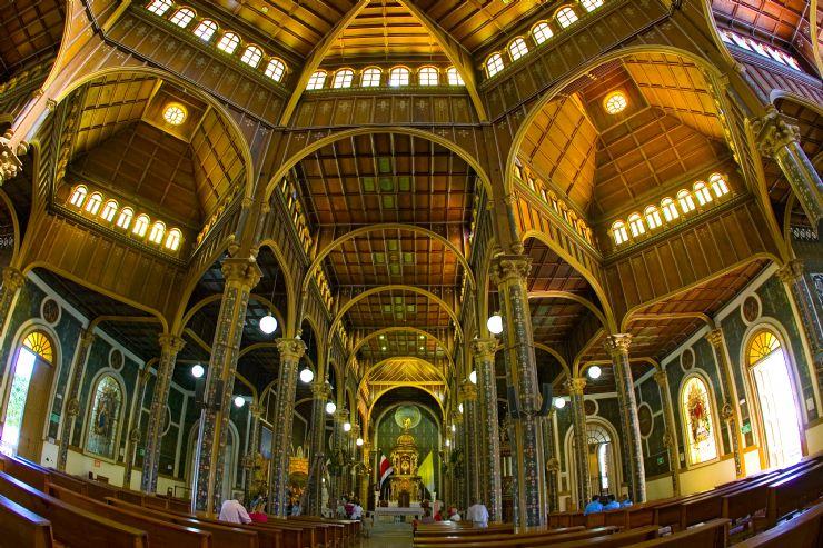Inside Basílica de Nuestra Señora de Los Ángeles Chruch