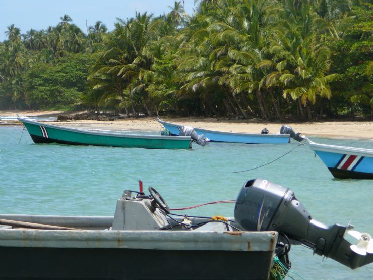 Fishing boats in the Puerto Viejo natural harbor