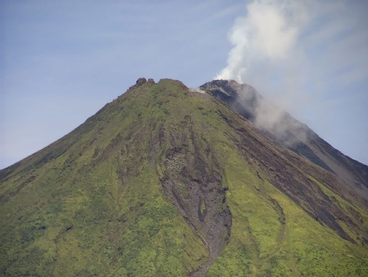 Amazing close view of Arenal Volcano, La Fortuna