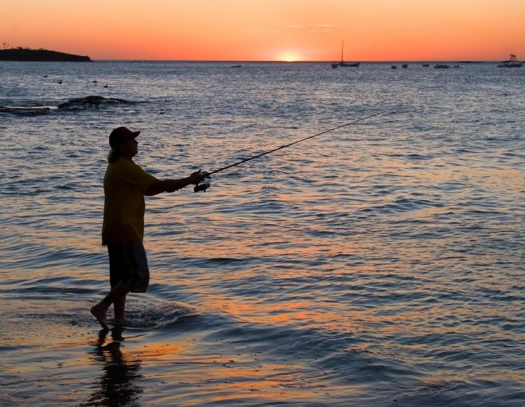 Fishing on the beach in Tamarindo