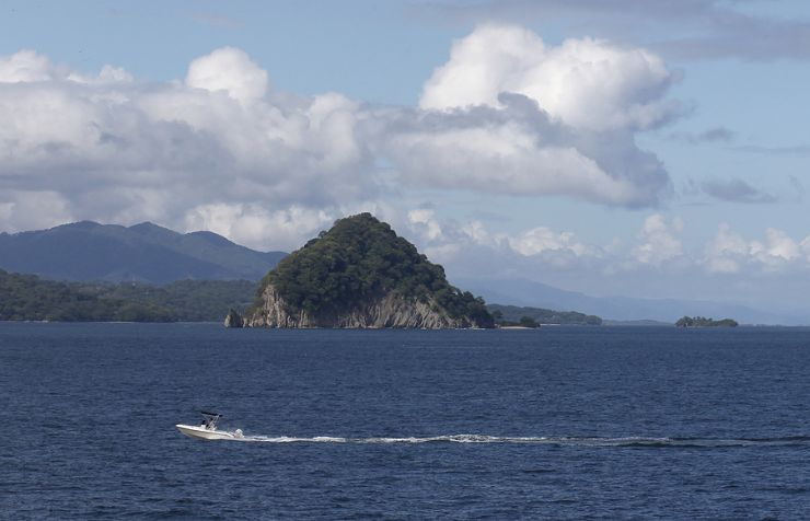 Guayabo Island Biological Reserve in the Nicoya Gulf