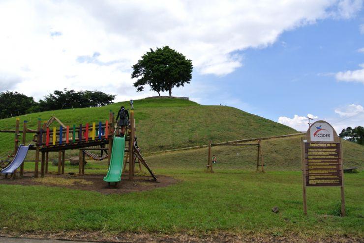 La Paz Park playground area
