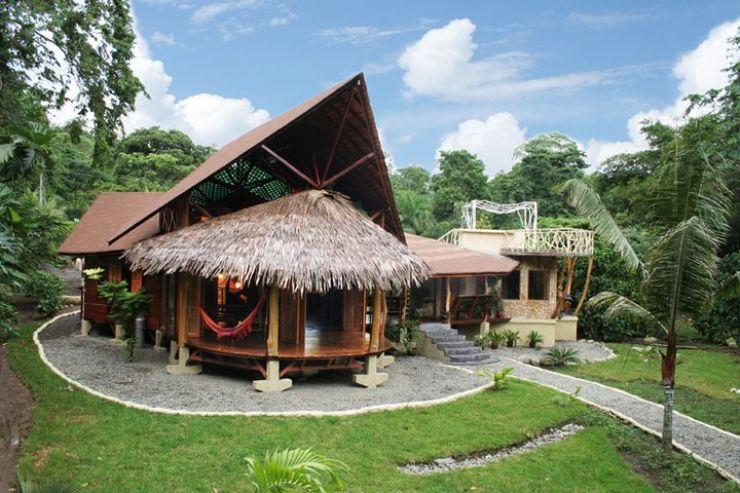 Main entrance Tree House Lodge, Manzanillo Limon