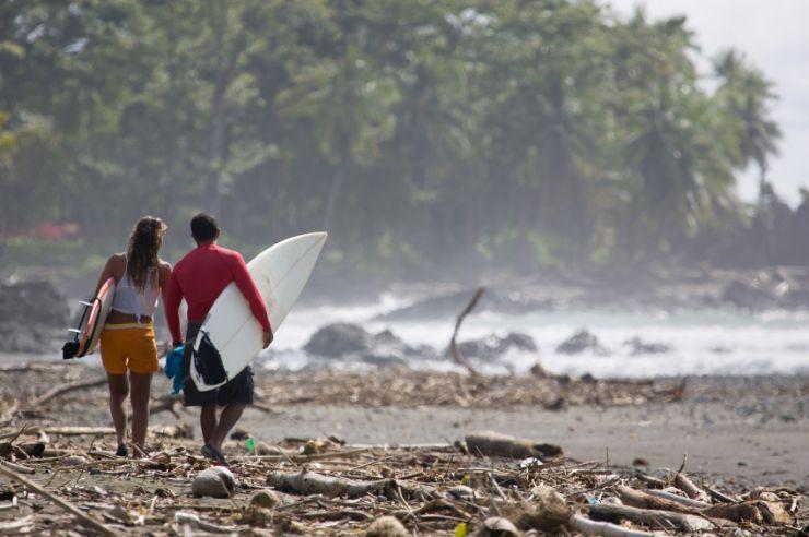 Pavones Surfers
