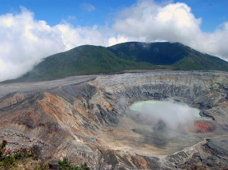 Poas Volcano Costa Rica</a><br /><br /></td></tr>