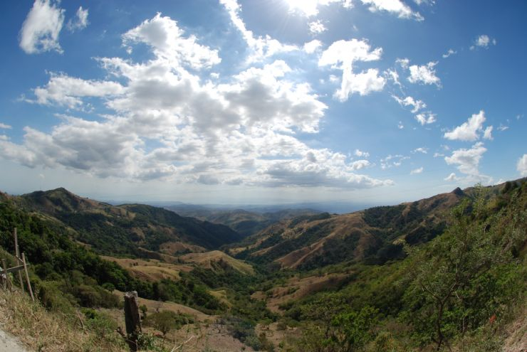 View from the road on way to Monteverde