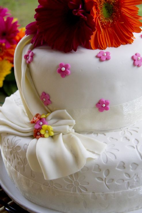 Beautiful wedding cake offered by Arenal Volcano Inn