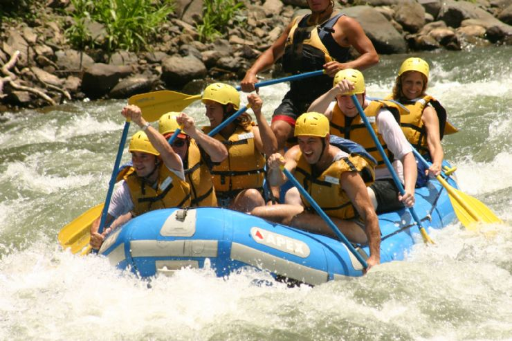 Rafting on Class III & IV rapids on the Pacuare River
